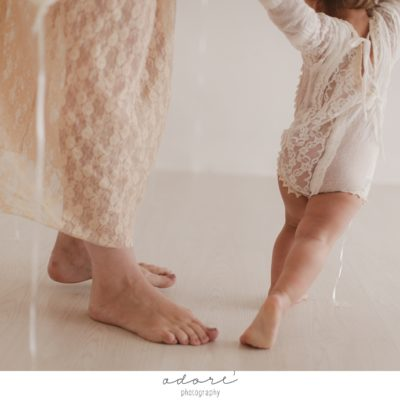 Mother's Day mini sessions | Motherhood moments
